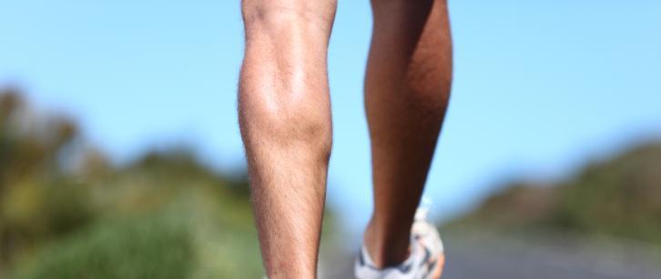רגליים של איש רץ